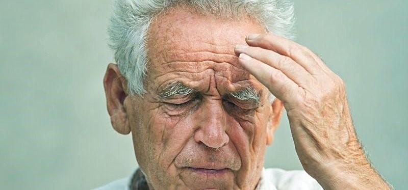 Люди с возрастной макулярной дистрофией больше подвержены риску кровоизлияния в мозг
