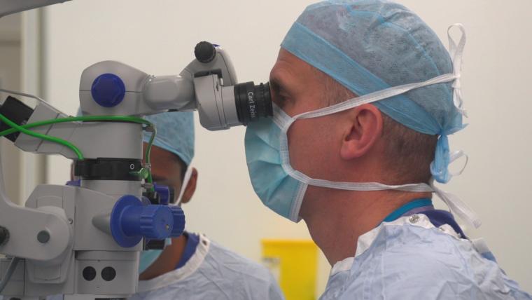 Препарат для лечения пигментного ретинита методом генной терапии получила статус орфанного