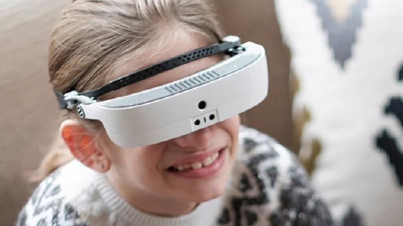 Фантастические умные очки позволяют видеть слабовидящим