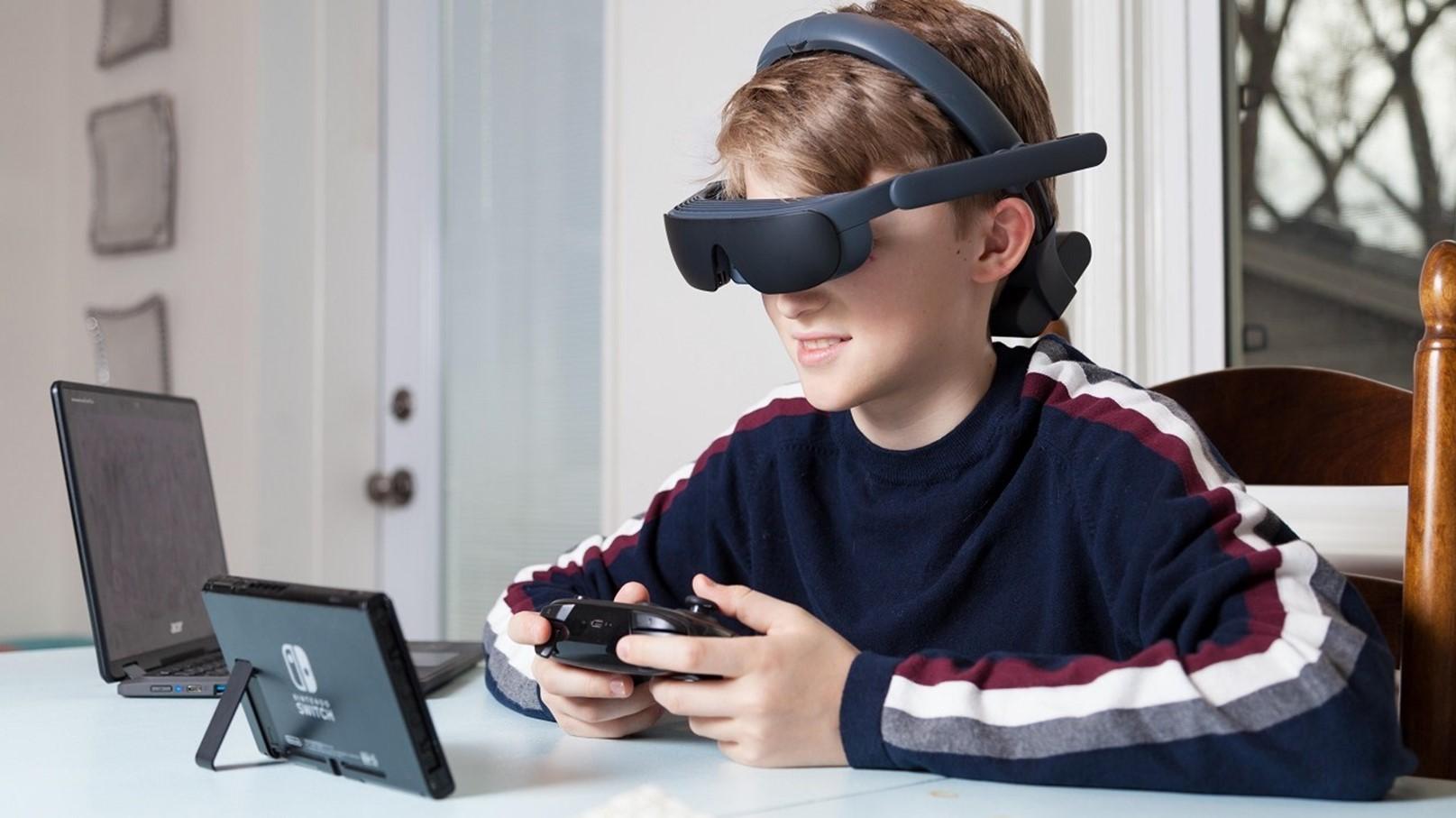 """Новая версия """"умных"""" очков eSight для слабовидящих"""