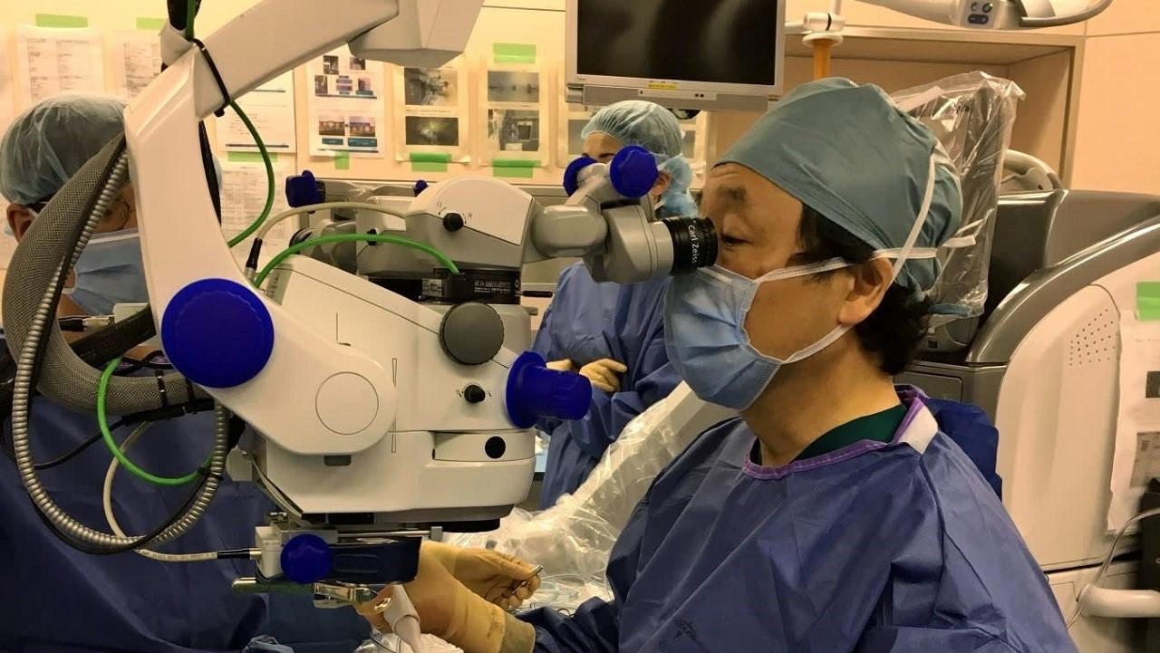 В больнице Кобе начинает проведение испытания нового препарата для лечения заболевания сетчатки глаза