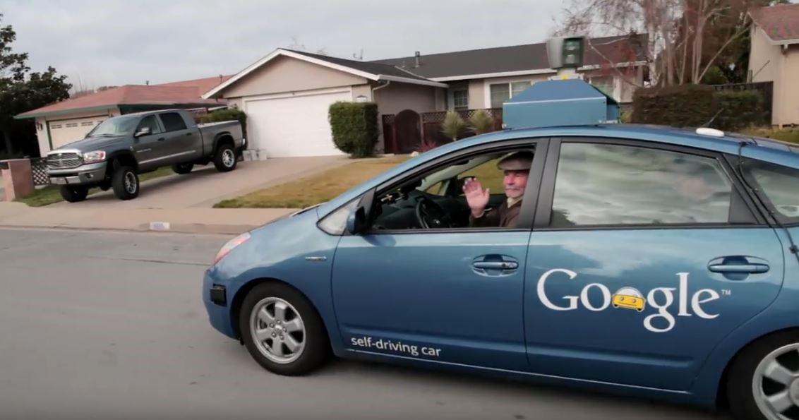Слепой человек оценил возможности автомобиля с автопилотом