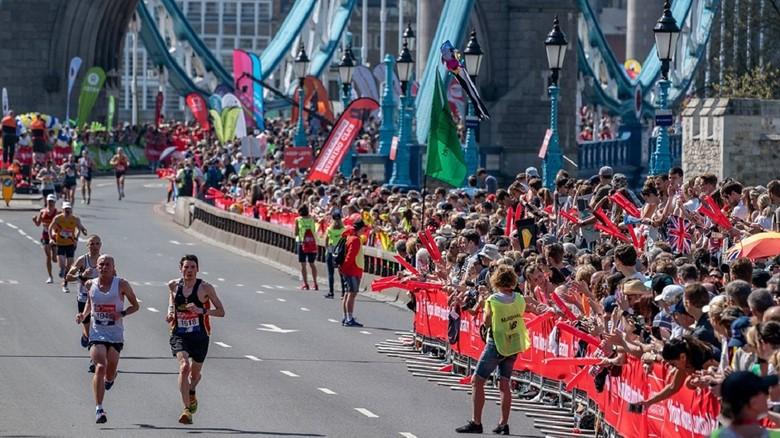 Слабовидящая студентка надеется исполнить свою мечту - участвовать в марафоне