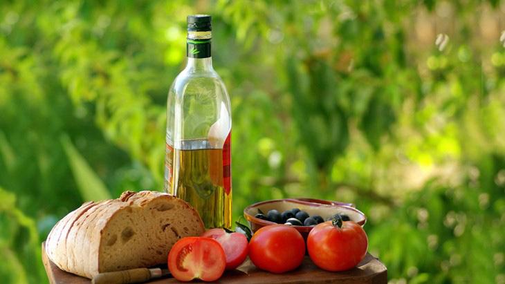 Средиземноморская диета на треть снижает риск возникновения возрастной макулярной дистрофии