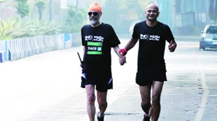 60-летний слабовидящий спортсмен бежит свой 57-й полумарафон